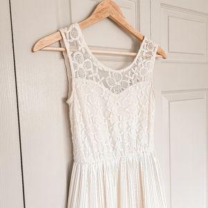 Lace pleated ivory dress